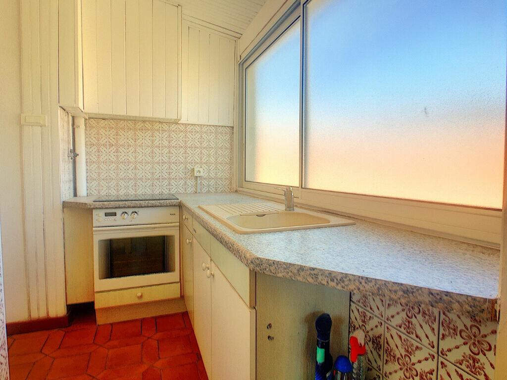 Appartement à louer 4 104.52m2 à Ajaccio vignette-5