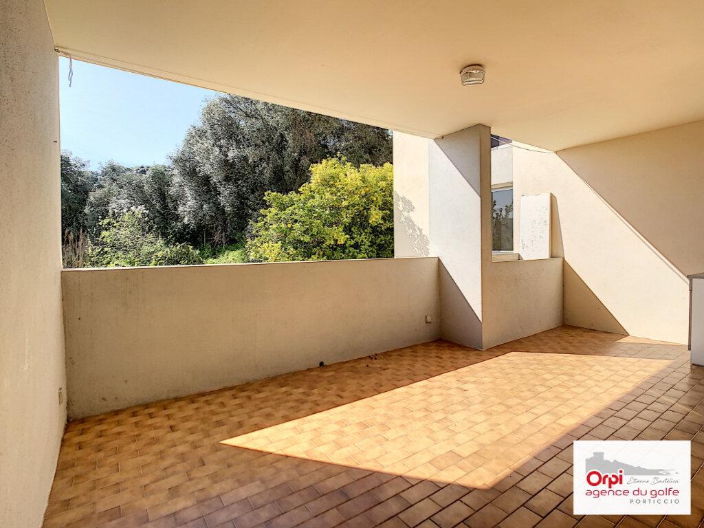 Appartement à louer 4 87.95m2 à Ajaccio vignette-4