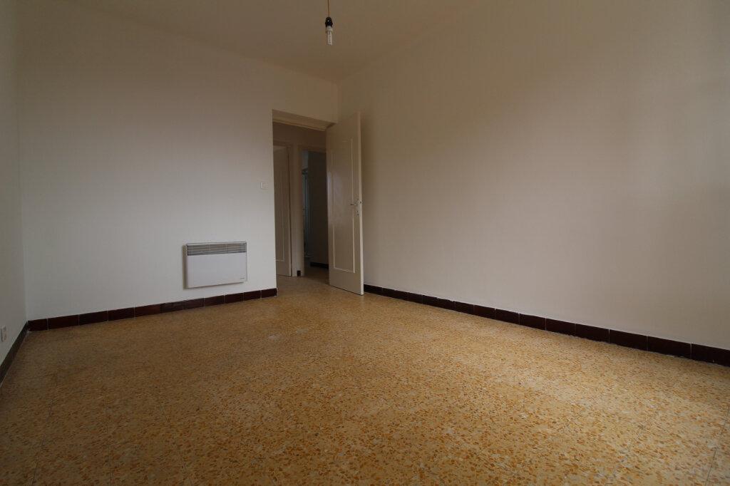 Appartement à louer 4 75.35m2 à Ajaccio vignette-2