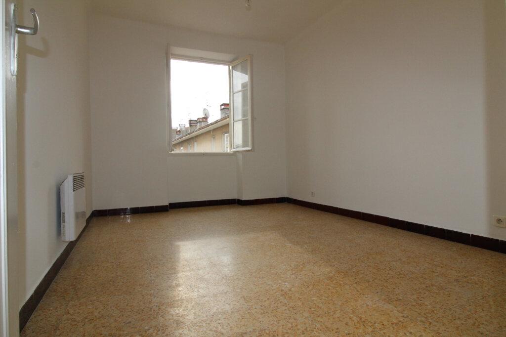 Appartement à louer 4 75.35m2 à Ajaccio vignette-5