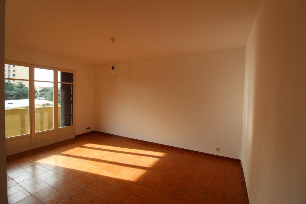 Appartement à louer 1 27.26m2 à Ajaccio vignette-1