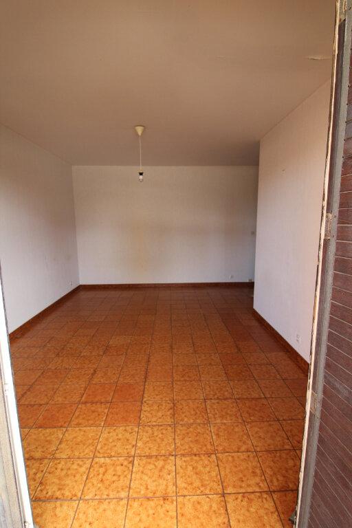 Appartement à louer 1 27m2 à Ajaccio vignette-2