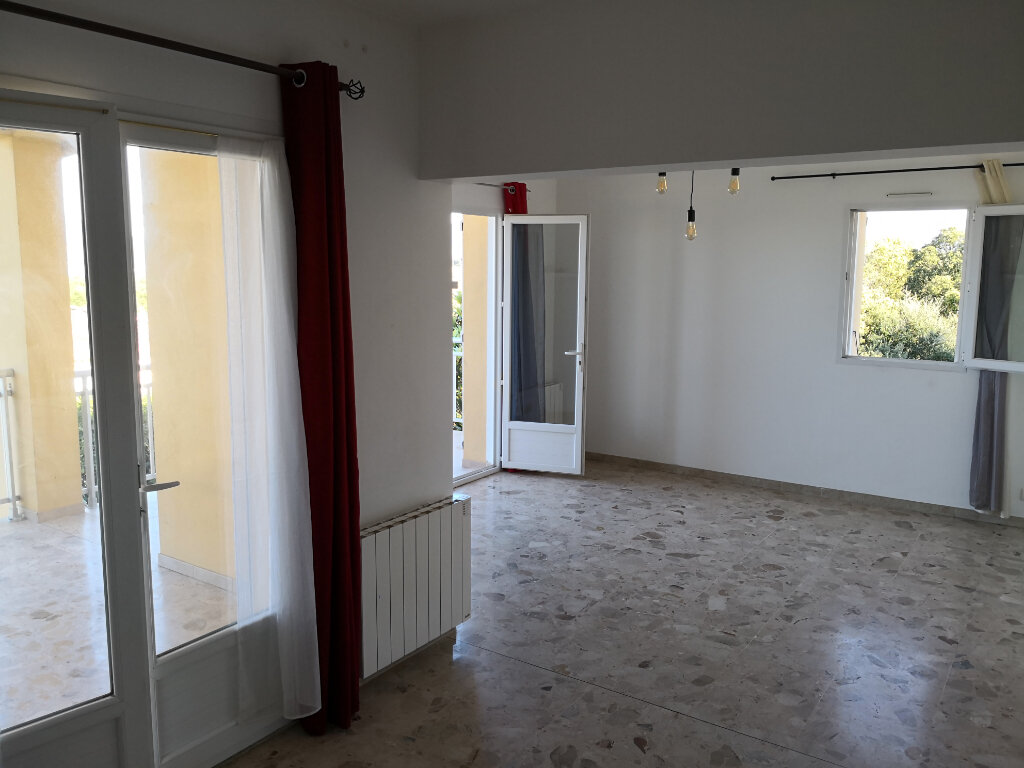 Appartement à louer 3 58.61m2 à Grosseto-Prugna vignette-3