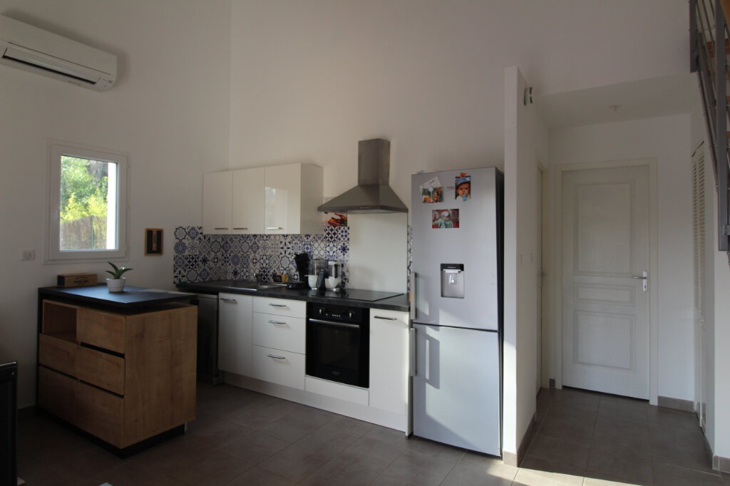 Appartement à louer 3 49.44m2 à Grosseto-Prugna vignette-1