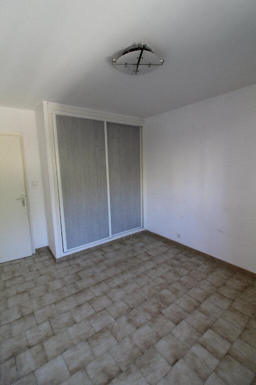 Appartement à louer 3 73m2 à Ajaccio vignette-2