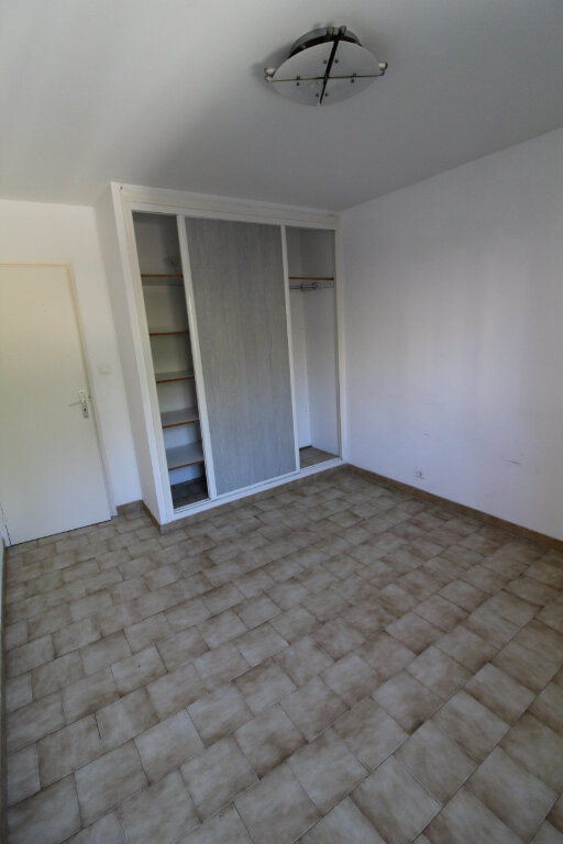 Appartement à louer 3 73m2 à Ajaccio vignette-3