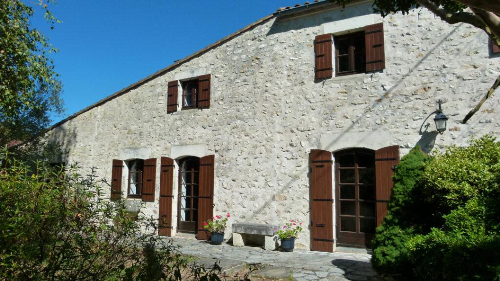 Maison à vendre 7 195m2 à Saint-Romain-de-Benet vignette-1