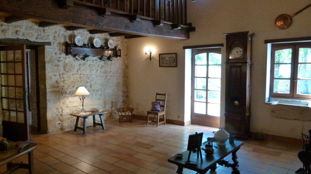 Maison à vendre 7 195m2 à Saint-Romain-de-Benet vignette-3