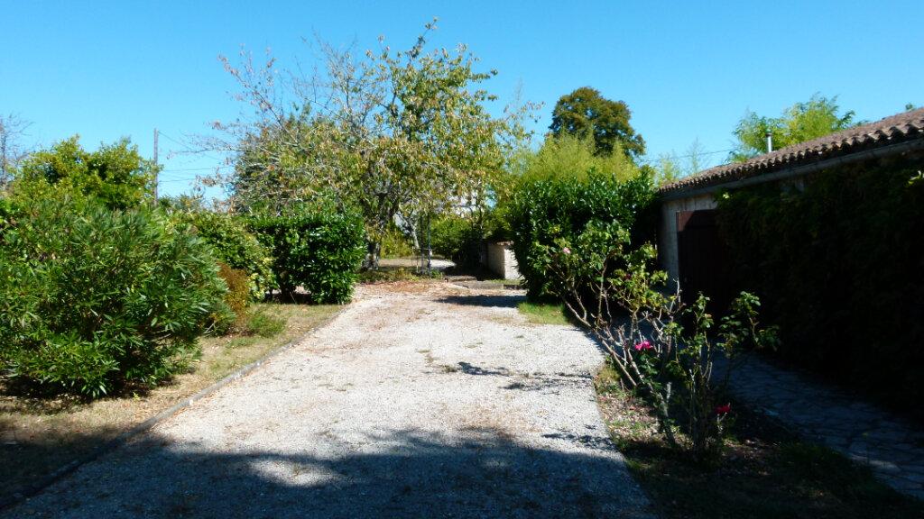 Maison à vendre 7 195m2 à Saint-Romain-de-Benet vignette-6