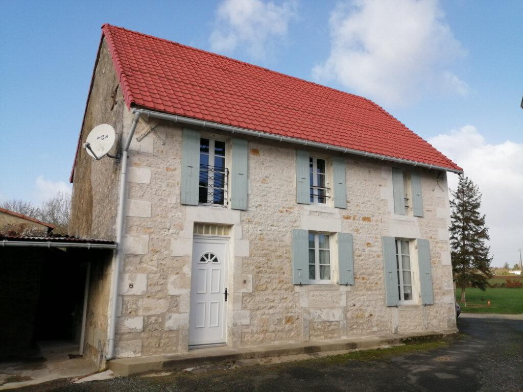 Maison à louer 4 99.23m2 à Saint-Romain-de-Benet vignette-1