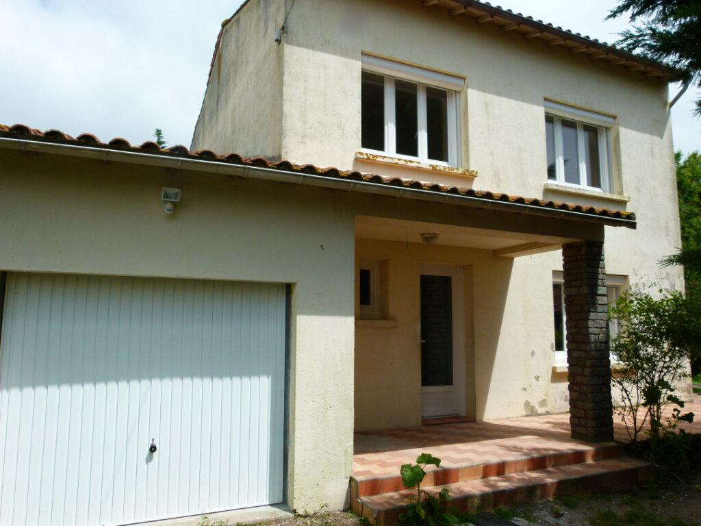 Maison à louer 5 98.02m2 à Le Gua vignette-1