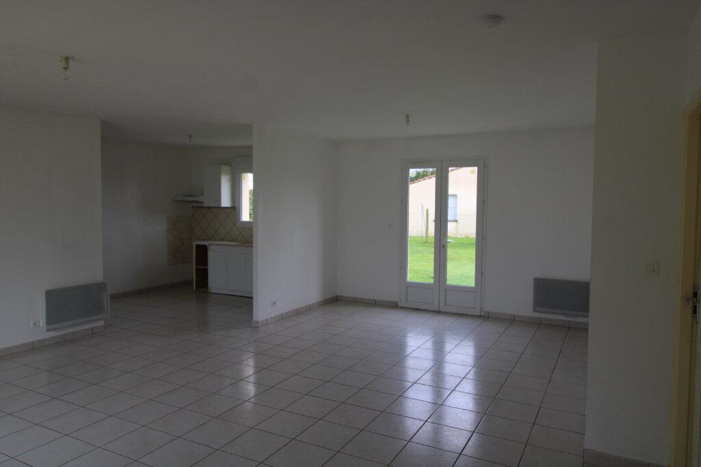 Maison à louer 4 90.16m2 à Sainte-Gemme vignette-4