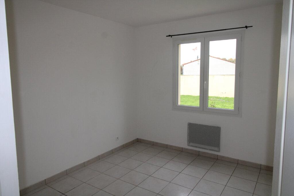 Maison à louer 4 90.16m2 à Sainte-Gemme vignette-6