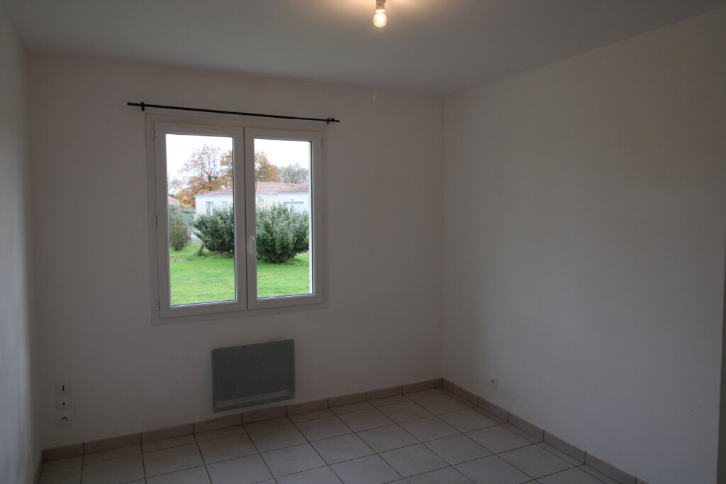Maison à louer 4 90.16m2 à Sainte-Gemme vignette-7