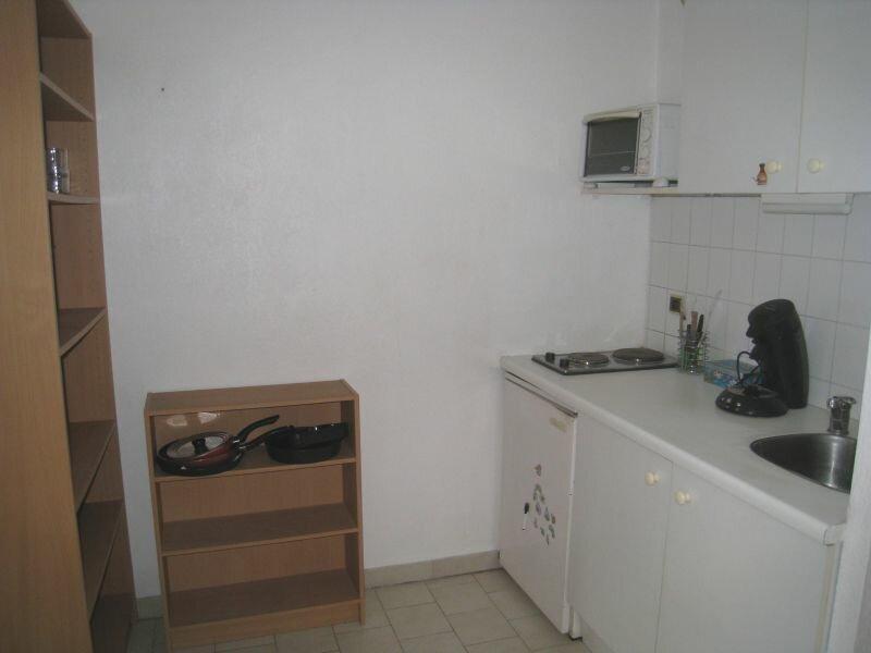 Appartement à louer 1 0m2 à Marseille 10 vignette-4