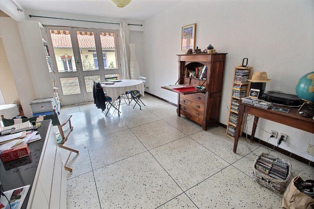 Appartement à louer 3 0m2 à Marseille 5 vignette-1