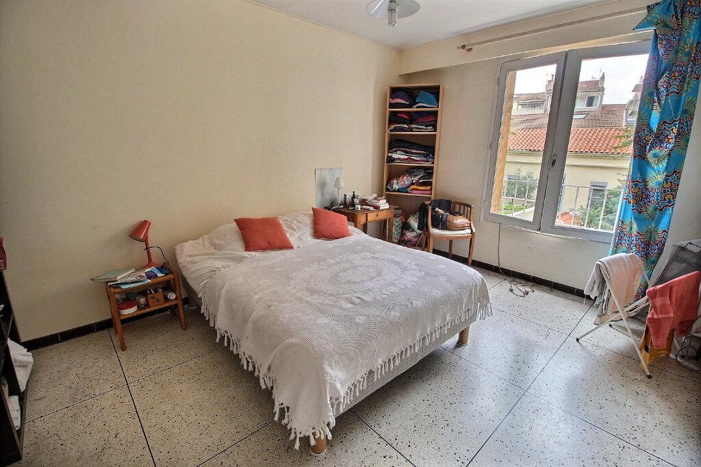 Appartement à louer 3 0m2 à Marseille 5 vignette-4