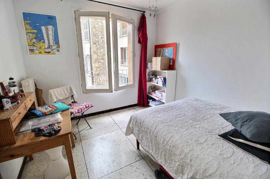 Appartement à louer 3 0m2 à Marseille 5 vignette-5