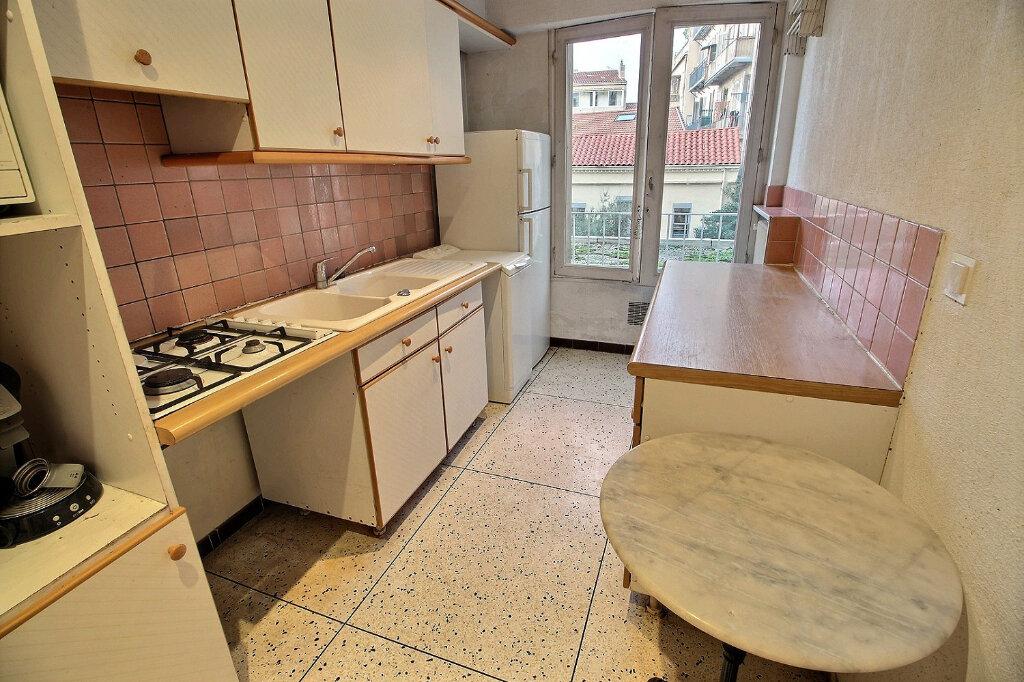 Appartement à louer 3 0m2 à Marseille 5 vignette-6