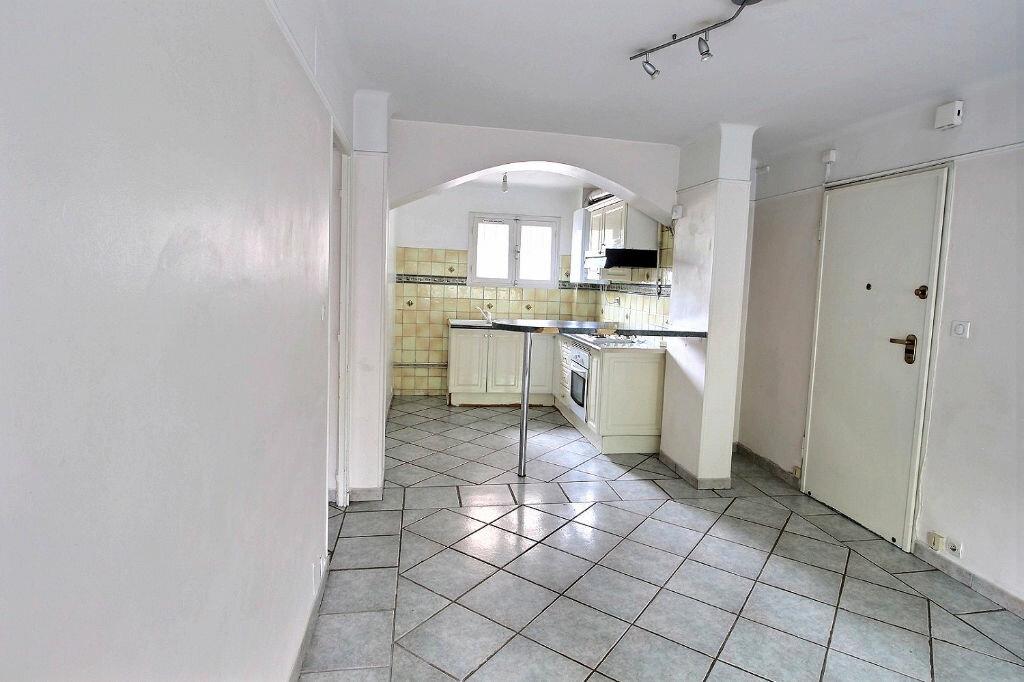 Appartement à louer 2 42m2 à Marseille 5 vignette-1