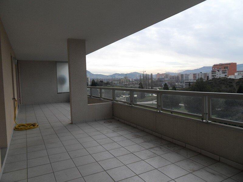 Appartement à louer 3 70m2 à Marseille 10 vignette-5