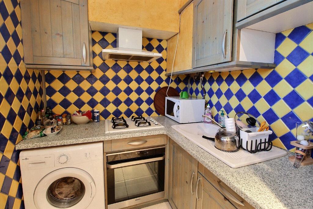 Appartement à louer 3 68m2 à Marseille 5 vignette-2