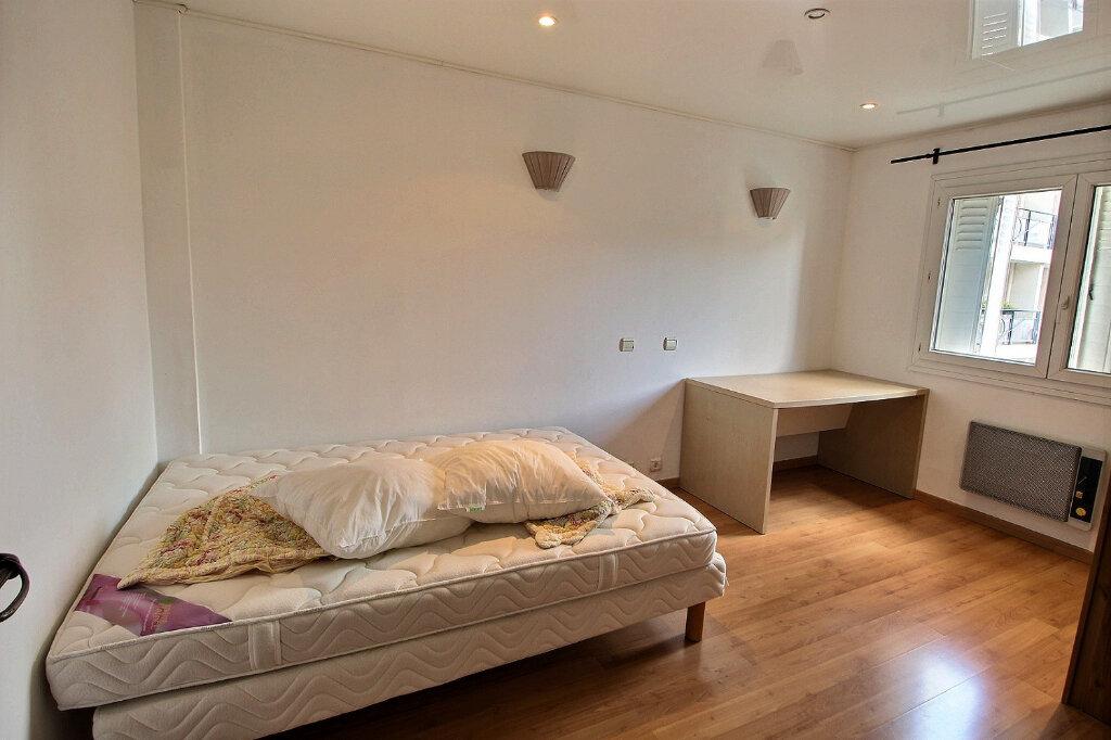Appartement à louer 3 68m2 à Marseille 5 vignette-3