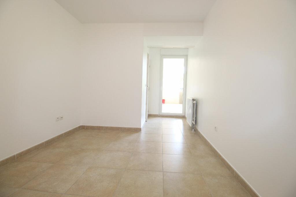Appartement à louer 2 36m2 à Marseille 8 vignette-4