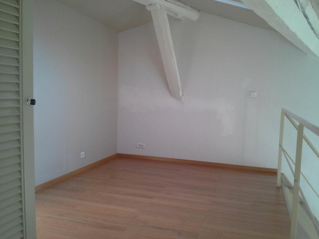 Appartement à louer 2 42m2 à Marseille 5 vignette-4