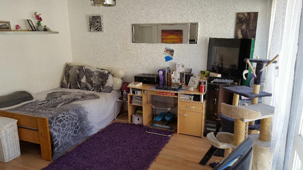 Appartement à louer 1 25m2 à Marseille 5 vignette-2