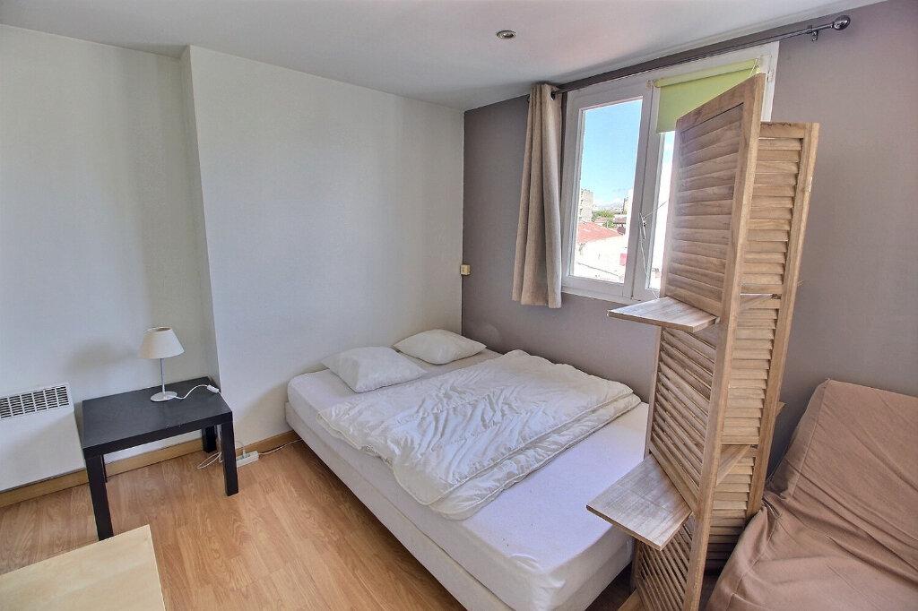Appartement à louer 1 24m2 à Marseille 5 vignette-5