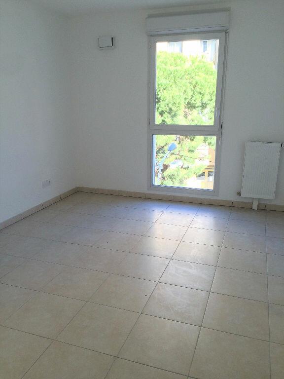 Appartement à louer 2 38m2 à Marseille 5 vignette-3