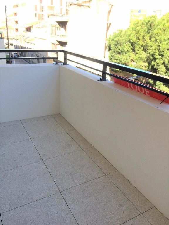 Appartement à louer 2 38m2 à Marseille 5 vignette-4