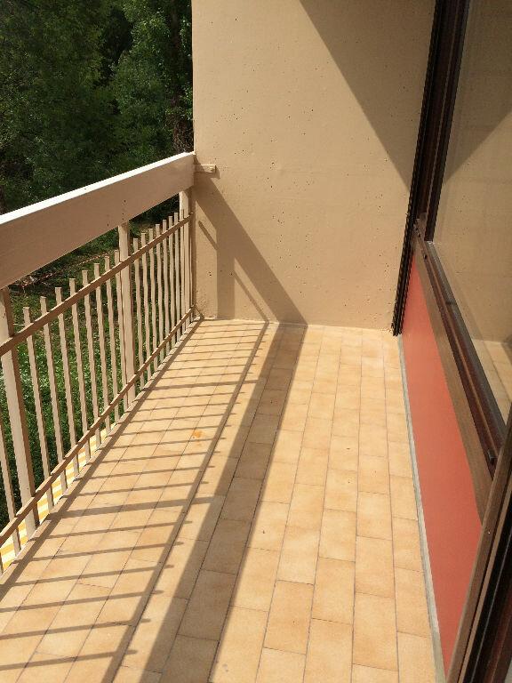 Appartement à louer 2 43m2 à Marseille 11 vignette-2