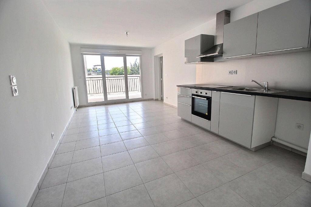 Appartement à louer 2 45m2 à Marseille 5 vignette-1
