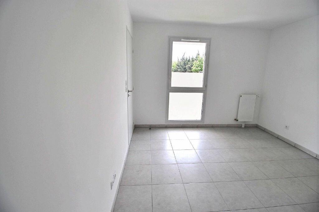 Appartement à louer 2 45m2 à Marseille 5 vignette-3