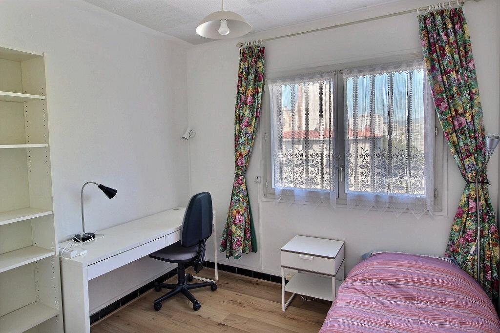 Appartement à louer 4 64m2 à Marseille 5 vignette-3