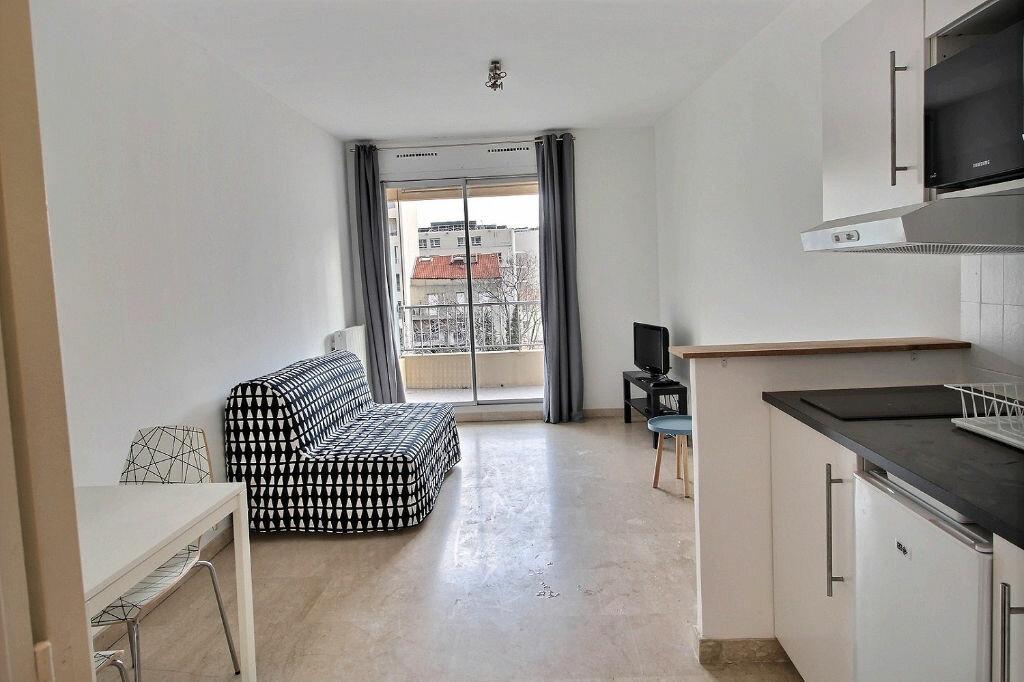 Appartement à louer 1 23m2 à Marseille 5 vignette-1