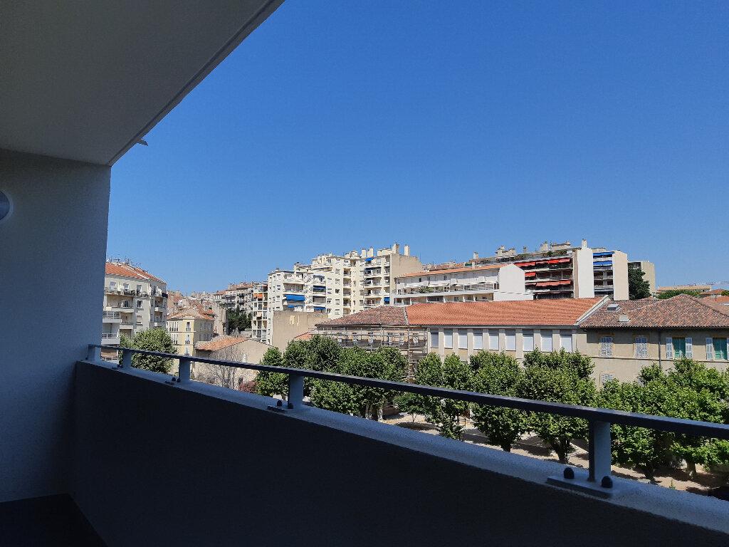 Appartement à louer 2 45m2 à Marseille 5 vignette-2