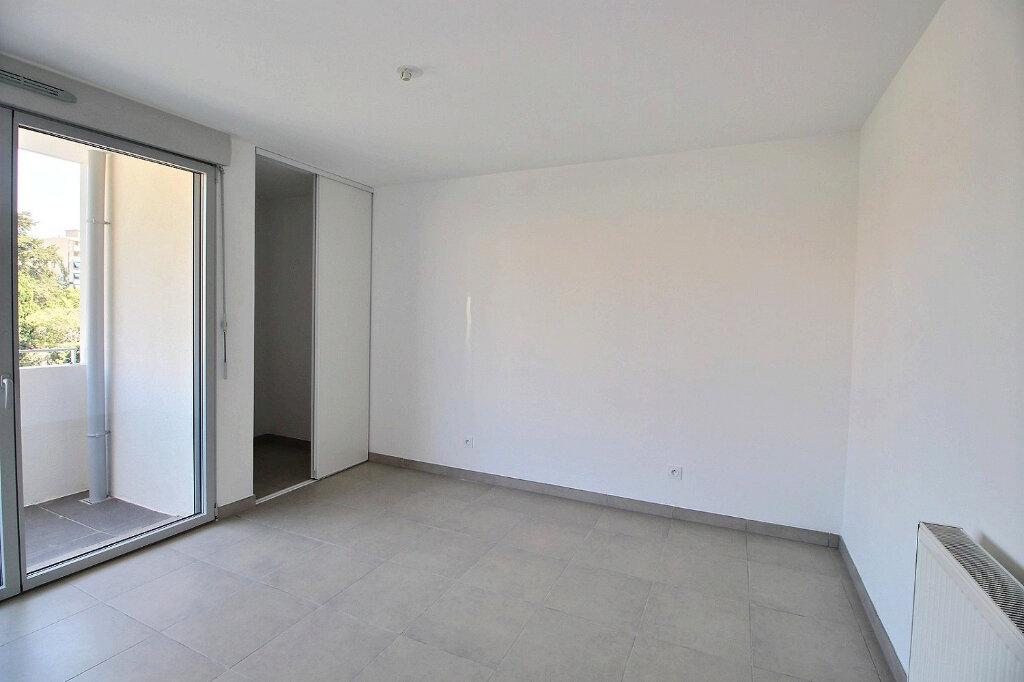 Appartement à louer 2 45m2 à Marseille 5 vignette-4