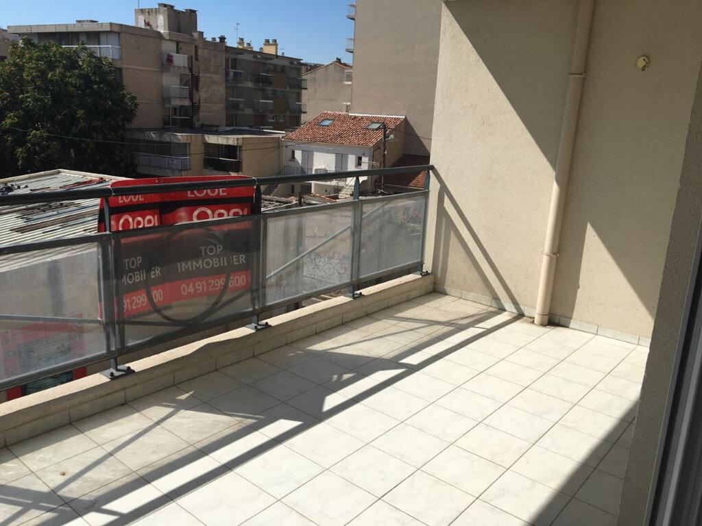 Appartement à louer 3 75m2 à Marseille 5 vignette-3