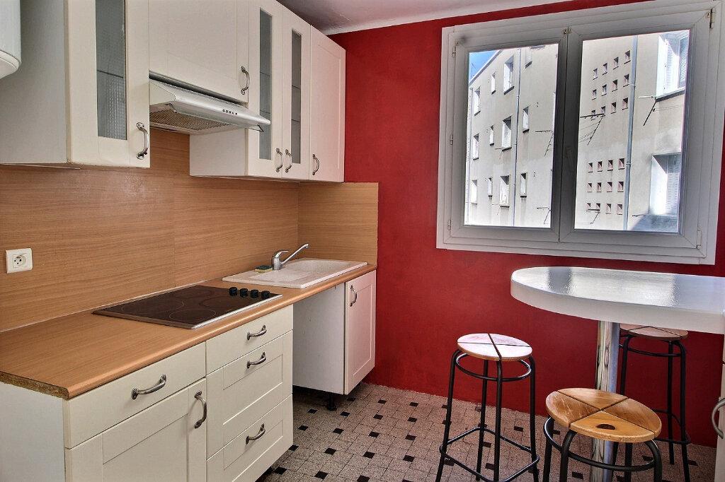 Appartement à louer 4 69m2 à Marseille 5 vignette-2