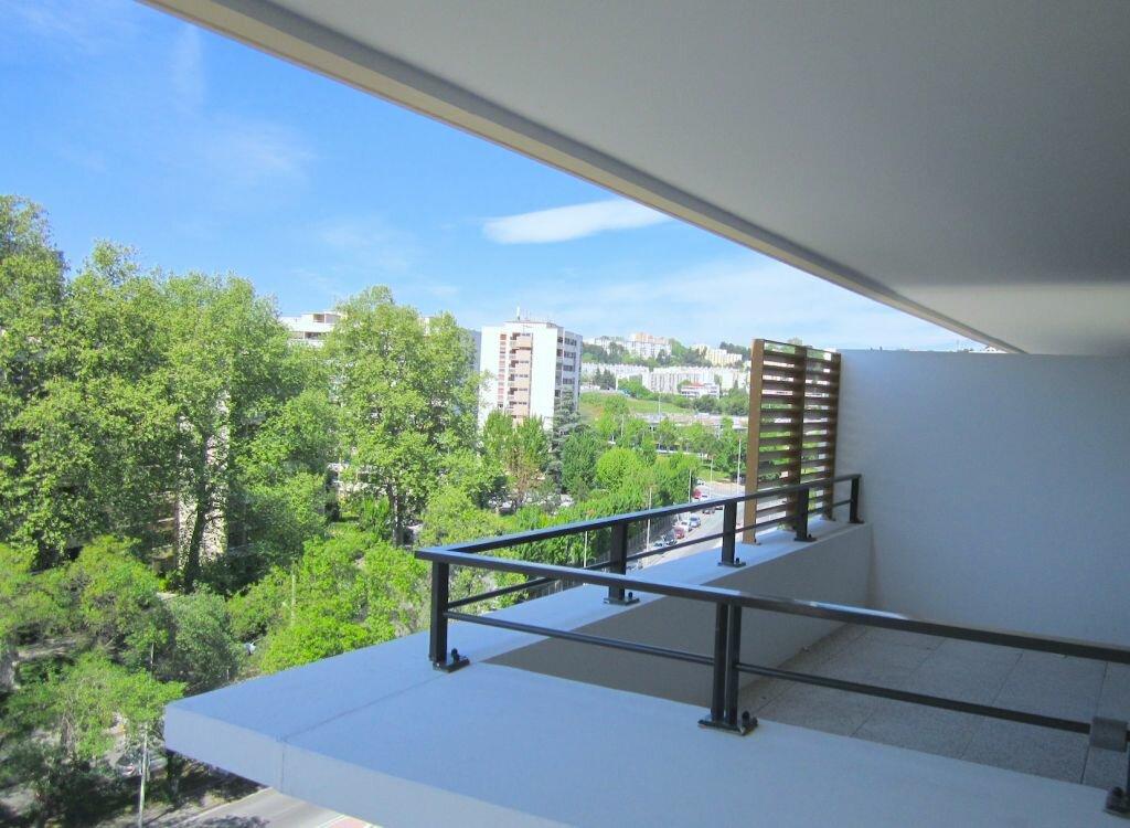 Appartement à louer 3 67.7m2 à Marseille 11 vignette-4