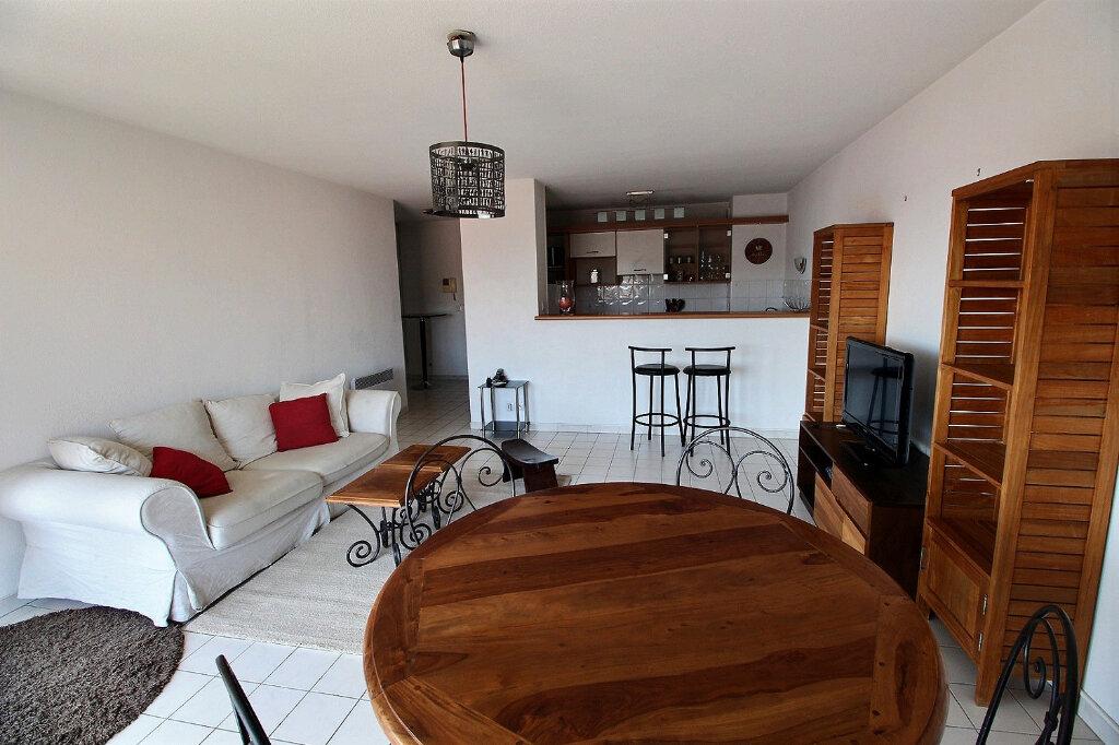 Appartement à louer 3 64m2 à Marseille 10 vignette-1