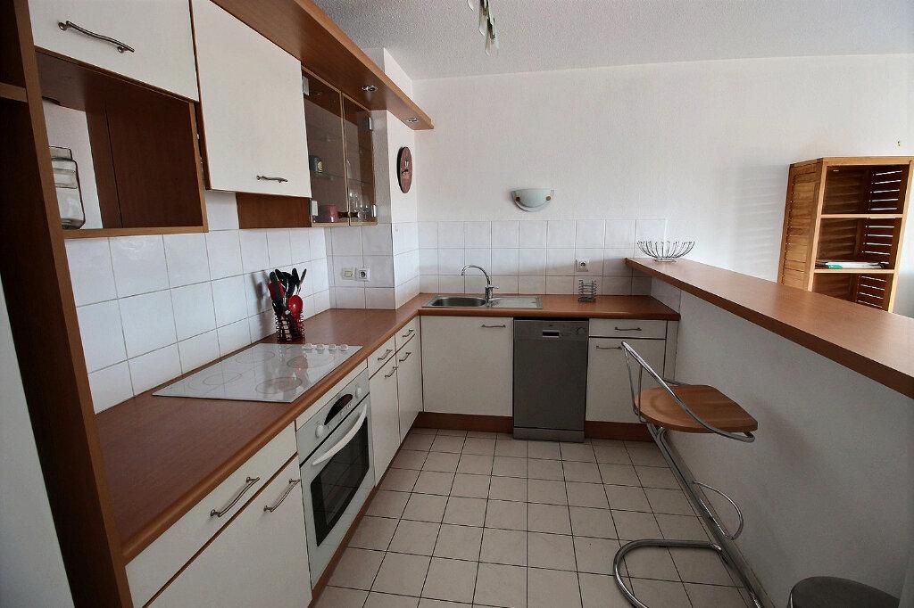 Appartement à louer 3 64m2 à Marseille 10 vignette-2