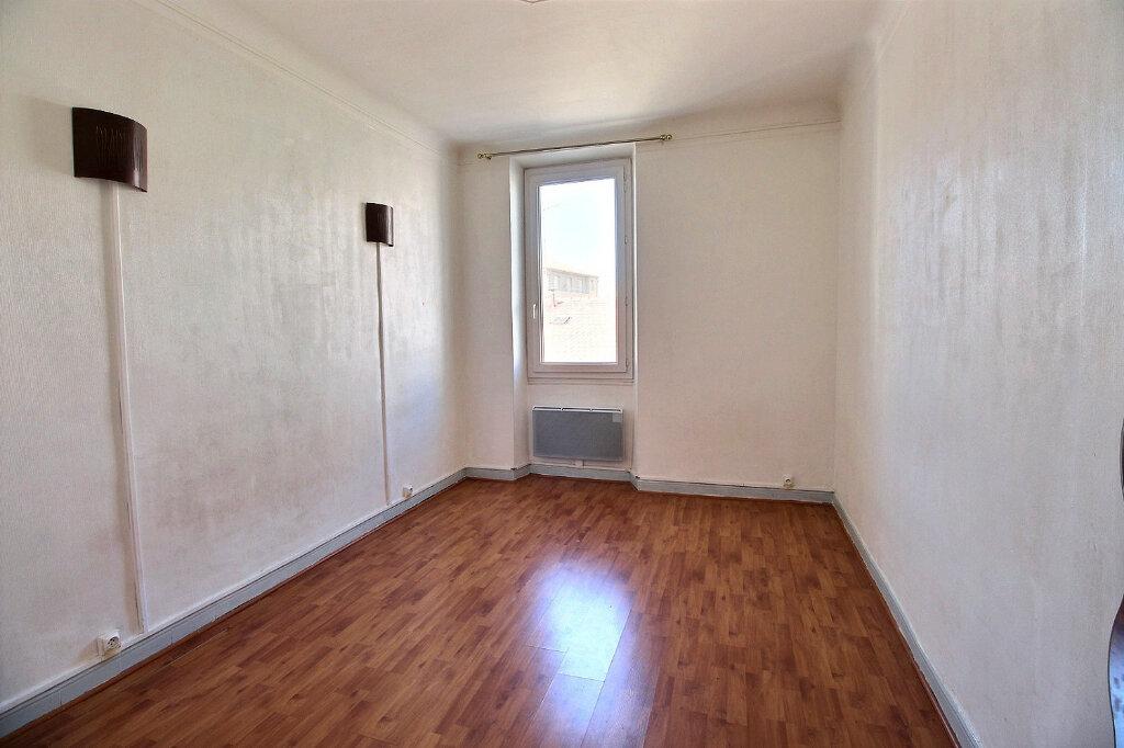Appartement à louer 3 55m2 à Marseille 5 vignette-2