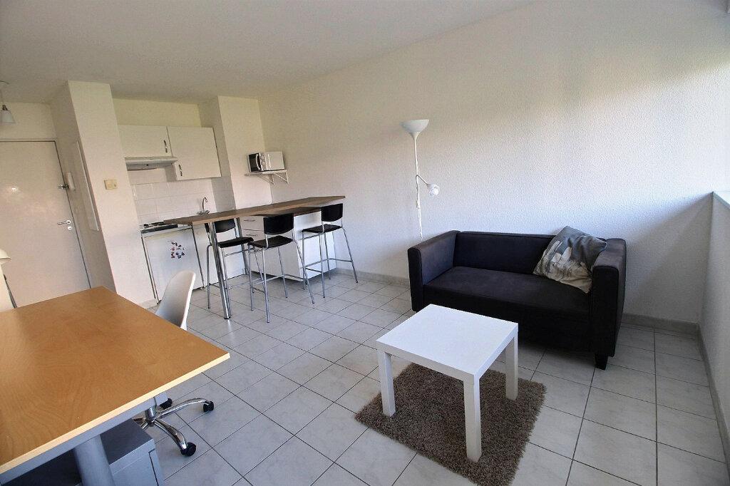 Appartement à louer 2 33m2 à Marseille 5 vignette-1