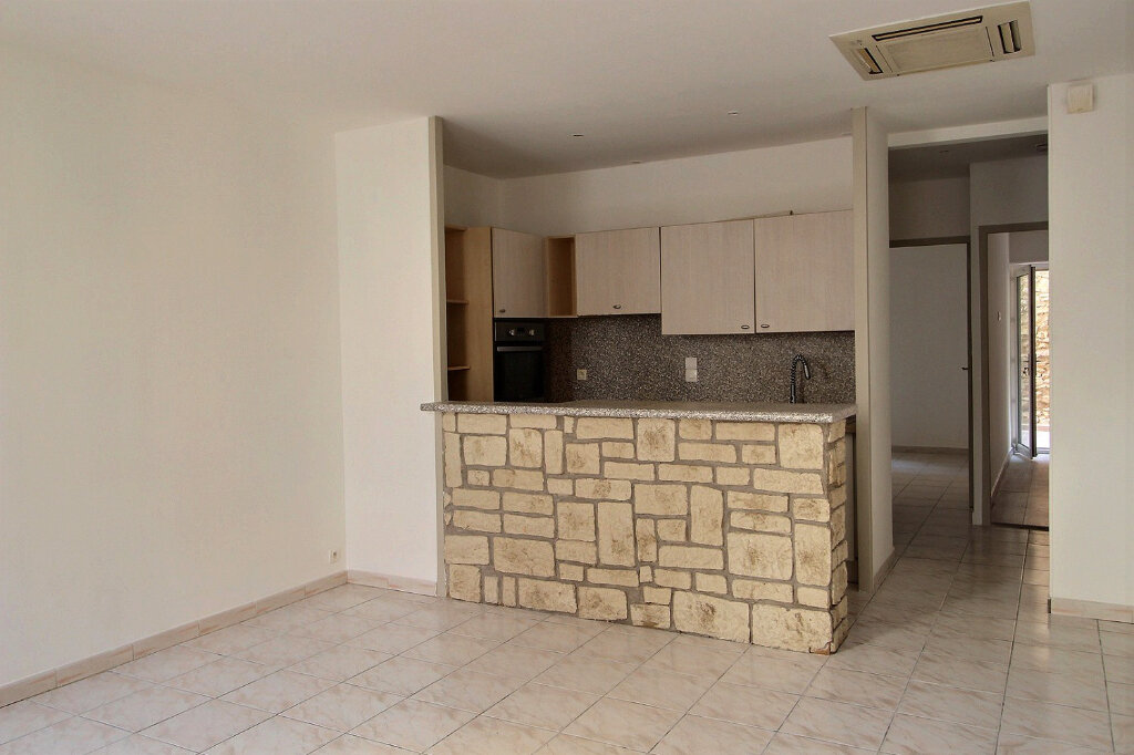 Appartement à louer 3 60m2 à Marseille 5 vignette-2