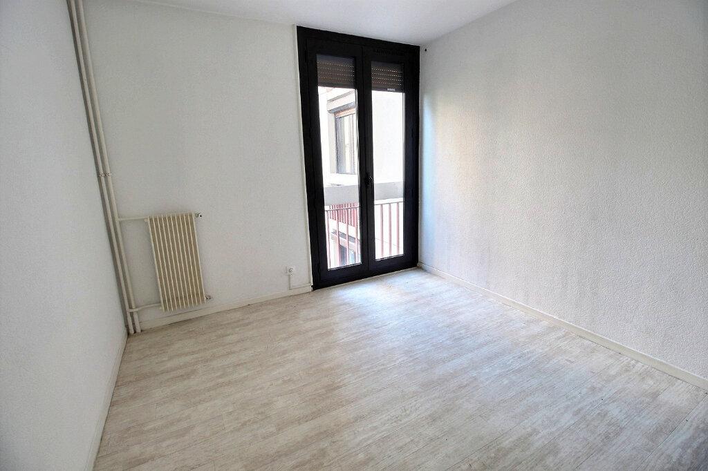 Appartement à louer 4 85m2 à Marseille 12 vignette-3
