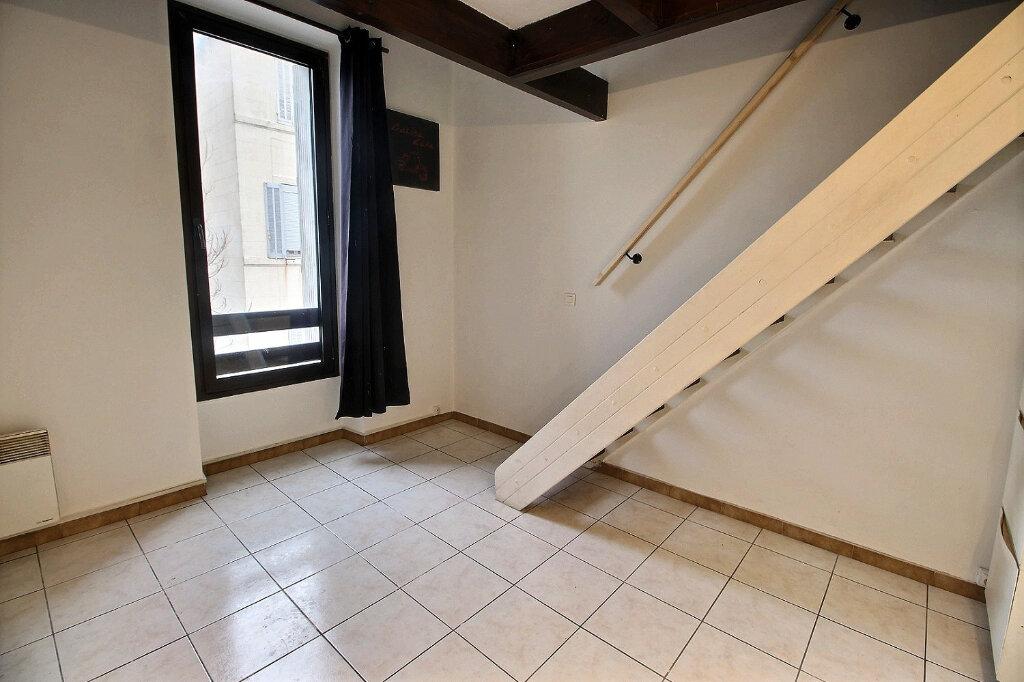 Appartement à louer 1 30.5m2 à Marseille 4 vignette-2